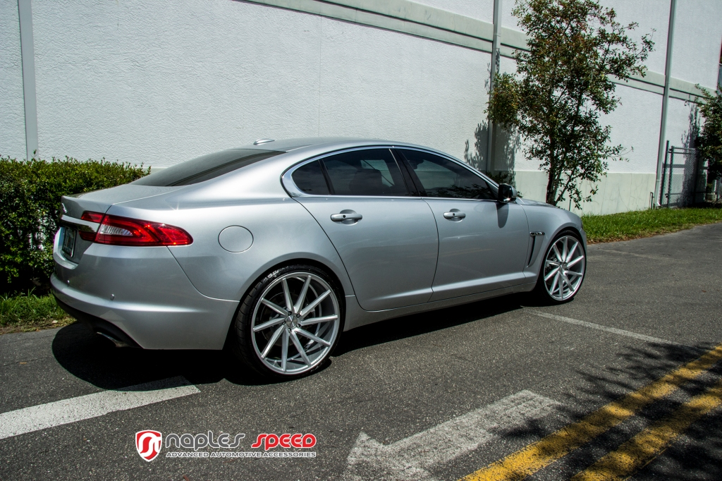 jaguar xf on 22 vossen cvt advanced automotive accessories. Black Bedroom Furniture Sets. Home Design Ideas