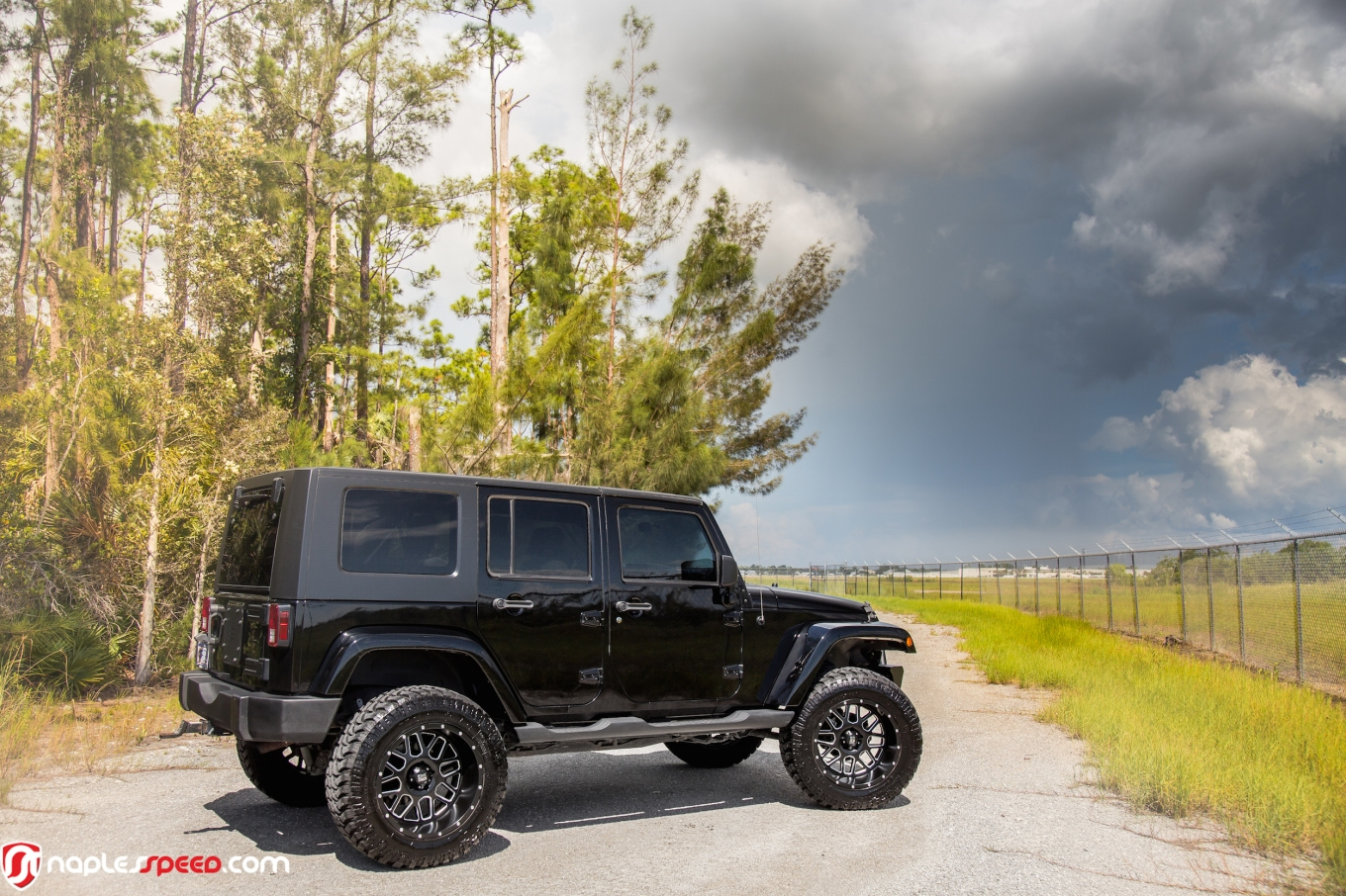 Off Road Voyager Lifted Wrangler On 20s Advanced